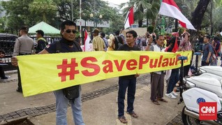 Warga Pulau Pari Protes Bupati Kepulauan Seribu