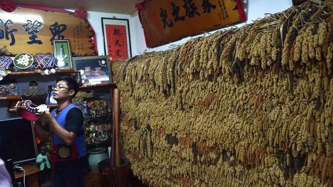 Di lokasi tersebut terdapat miniatur suku asli Formosa mulai dari rumah tradisonal, tarian, lagu dan berbagai hasil kerajinan. (ANTARA FOTO/Prasetyo Utomo)