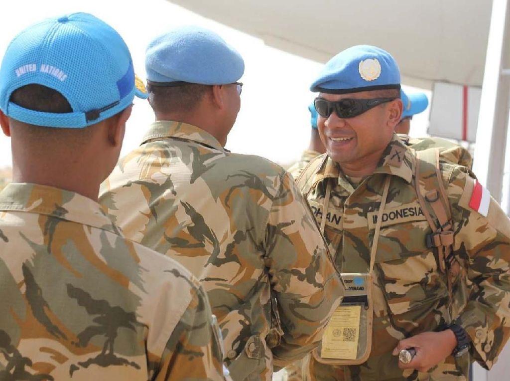 Satuan Tugas (Satgas) Yonkomposit TNI Kontingen Garuda (Konga) XXXV-C United Nations Mission In Darfur (UNAMID) dibawah kepemimpinan Komandan Satgas (Dansatgas) Letnan Kolonel Inf Syamsul Alam, S.E., akan meninggalkan daerah misi Darfur Sudan secara bertahap dan kembali ke tanah air setelah selama satu tahun bertugas sebagai pasukan pemelihara perdamaian PBB UNAMID, yang dimulai bulan April tahun 2017 sampai dengan April tahun 2018. Pool/Puspen TNI.