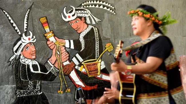 Suku Amis adalah salah satu penduduk asli dengan jumlah dan persebaran paling banyak di antara suku lain. (ANTARA FOTO/Prasetyo Utomo)