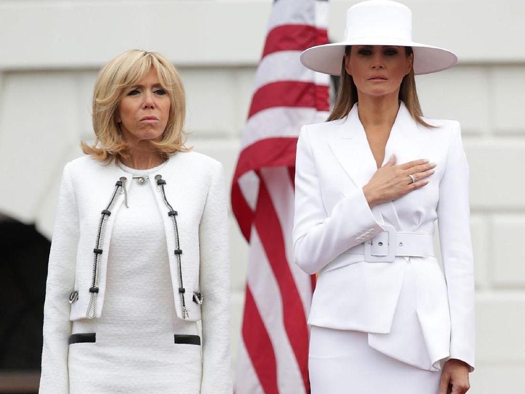 Gaya Melania Trump Pakai Topi Besar yang Bikin Heboh Netizen AS