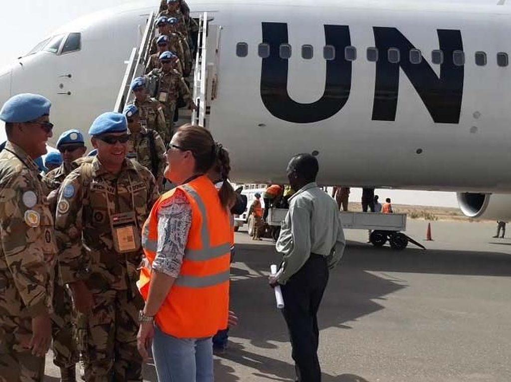Pasukan yang tergabung dalam Satgas Yonkomposit TNI Konga XXXV-C/UNAMID kembali ketanah air menggunakan pesawat United Nation (UN), terbagi menjadi 4 tahap pemberangkatan yang diawali chalk 1 dengan 200 personel, chalk 2 dengan 200 personel, chalk 3 dengan 200 pesonel dan chalk 4 dengan 199 personel, dimulai bulan April tanggal 23, 25, 28, dan 3 Mei 2018 yang secara bersamaan datangnya Satgas pengganti yaitu Indobatt-04 atau Satgas Yonkomposit TNI Konga XXXV-D/UNAMID. Pool/Puspen TNI.