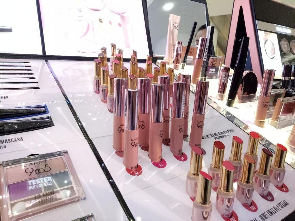 Lakme Merilis Makeup Awet Seharian dengan Harga Terjangkau