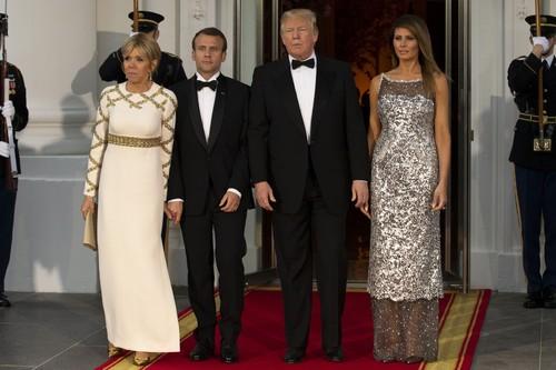 Foto: Adu Gaya Melania Trump Vs Brigitte Macron, Pakai Chanel dan LV