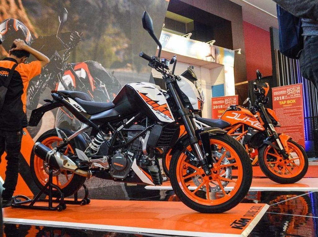 Selain itu KTM Indonesia juga menampilkan New Duke 390 dengan full Power Part atau Aksesori Original KTM. Foto: Dok. KTM
