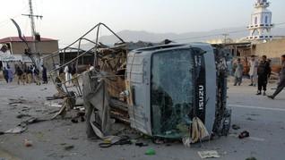 Tiga Bom Bunuh Diri Tewaskan Enam Polisi Pakistan