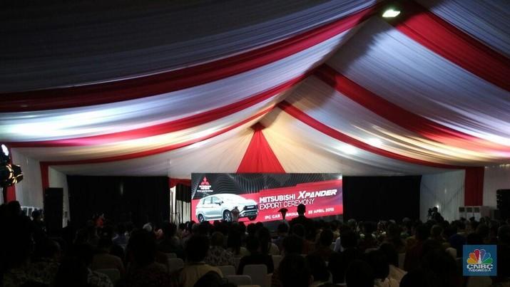 Mitsubishi Xpander hari ini resmi diekspor ke Filipina.