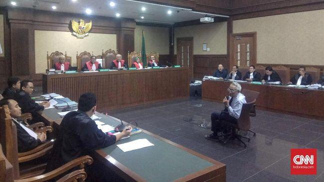 Hakim Minta Karyawan TI RS Medika Jaga Rekaman Kasus e-KTP