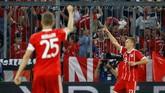 Bayern Munchen unggul lebih dulu pada menit ke-28 ketika Joshua Kimmich membobol gawang Real Madrid setelah menerima umpan terobosan James Rodriguez. (REUTERS/Kai Pfaffenbach)