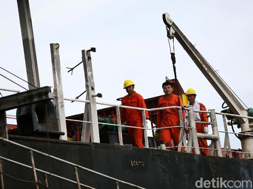 Polisi sendiri sudah menetapkan nahkoda kapal sebagai tersangka.