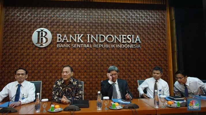Gubernur BI Agus Martowardojo menegaskan bank sentral terus menjaga nilai tukar rupiah terhadap dolar AS