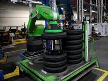Robotisasi Nyata, Ban-Ban Mobil Anda Bakal Dibuat Robot