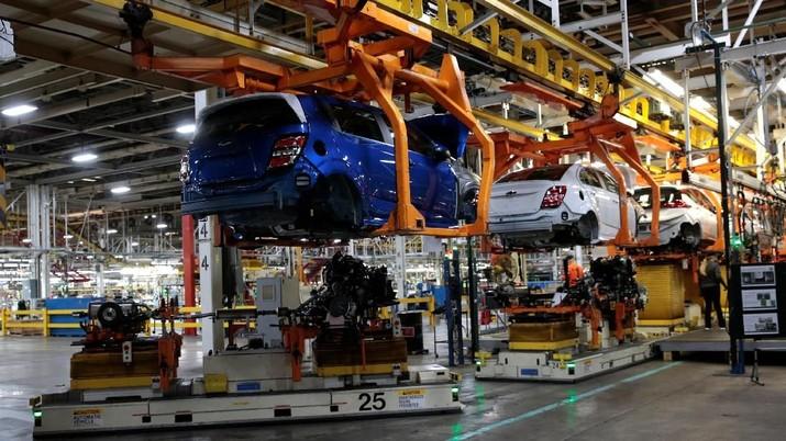 Perang Dagang Memanas, AS Mulai Investigasi Impor Otomotif