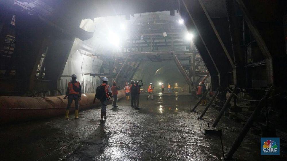 Khusus terowongan kembar masing-masing sepanjang 472 meter dibangun dengan biaya Rp 890 miliar. (Foto : CNBC Indonesia/Exist In Exist)
