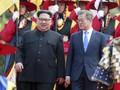 Gaya Kim Jong Un dalam Balutan 'Jas Mao' Saat Bertemu Korsel