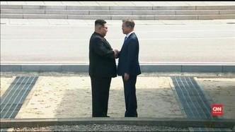 VIDEO: Detik-detik Pertemuan Kim Jong-Un dan Moon Jae-in