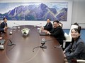 Setelah Bicara Empat Mata, Kim dan Moon Mulai Lagi Sesi Resmi