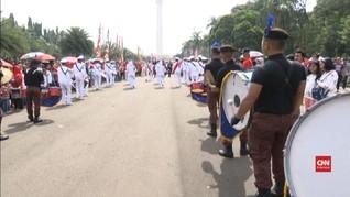 VIDEO: Festival Kebudayaan Monas Bagi-bagi Sembako Gratis