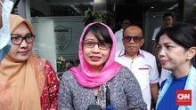 Bantah Mustofa, Susi Ferawati Klaim Dapat Gelang saat Umrah