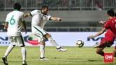 Kehadiran Ilija Spasojevic di lini depan Timnas Indonesia juga tidak banyak membantu. Pemain Bali United itu gagal mencetak gol ke gawang Korea Utara. (CNN Indonesia/Andry Novelino)