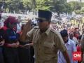 Datang ke Istora, Prabowo Disambut Pekik Ribuan Buruh