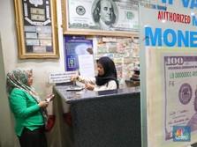 FOTO: Dolar AS Makin Menguat Dekati Rp 14.000