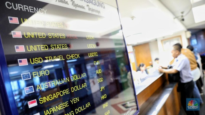 Nilai tukar rupiah hari ini menguat 0,25% dibandingkan posisi penutupan perdagangan hari sebelumnya.