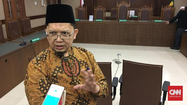 Alfian Tanjung Divonis Bebas, Pekik Takbir Riuhkan Pengadilan