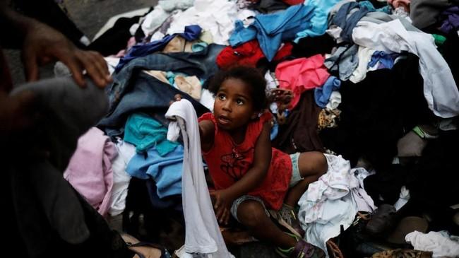 Kelompok itu terus menekan pemerintah selama bertahun-tahun untuk menuntut tempat tinggal bagi tunawisma yang ada di kota tersebut. (REUTERS/Nacho Doce)