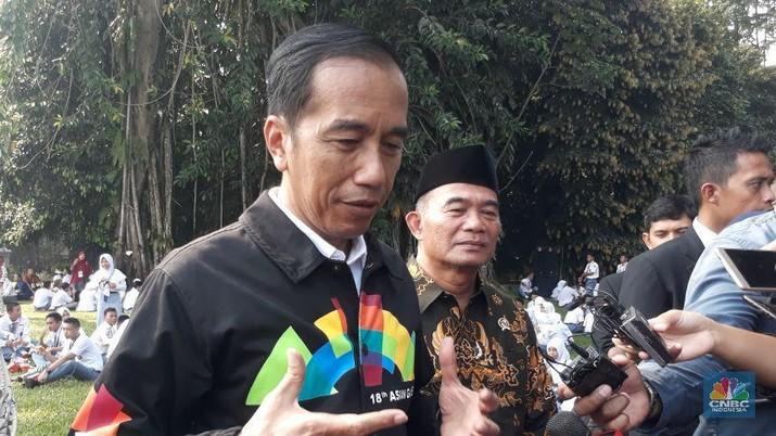 Pelajar Khawatir Invasi K-Pop, Jokowi: Tenang, RI Ada Dangdut