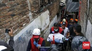 Balita Tewas Saat Api Hanguskan Puluhan Rumah di Bandung
