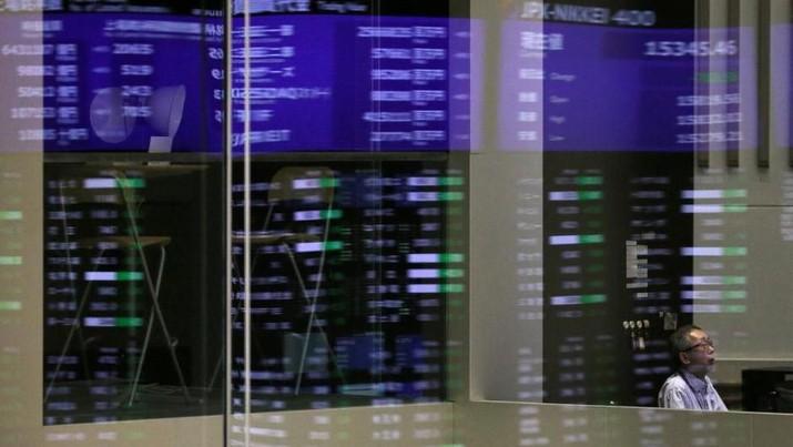 Indeks acuan Nikkei 225 kembali dibuka menguat pada perdagangan hari Selasa setelah menutup perdagangan hari sebelumnya di posisi tertinggi dalam 27 tahun.