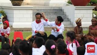 Perhatian dan 'Kode Cinta' Iriana Kepada Jokowi