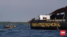 Mengusir Kapal Tongkang, Pembunuh Terumbu Karang Karimunjawa