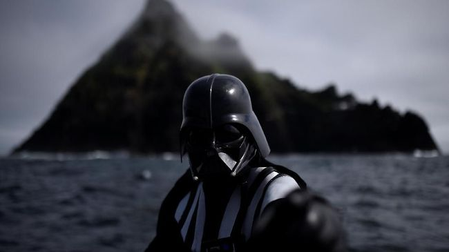 Busana Darth Vader Bakal Dilelang Hingga Rp28,4 Miliar