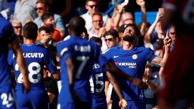 Chelsea Kalahkan Liverpool Berkat Gol Giroud