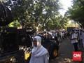 Polisi Interupsi Orasi HTI, Massa Bubar Baca Selawat