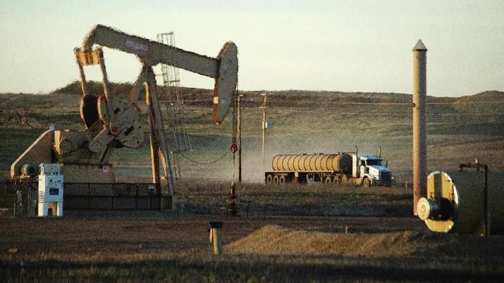 Sanksi AS terhadap industri perminyakan Iran tidaklah produktif dan akan ada konsekuensi atas tindakan semacam itu, kata Menteri Energi Rusia Alexander Novak.