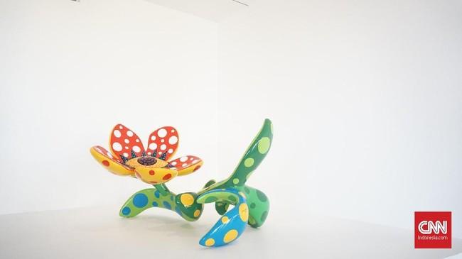Seniman di balik labu itu, Yayoi Kusama, yang memang identik dengan polkadot dan labu warna kuning hitam, akan berpameran di Museum MACAN, 12 Mei hingga 9 September 2018. (CNN Indonesia/Agniya Khoiri)