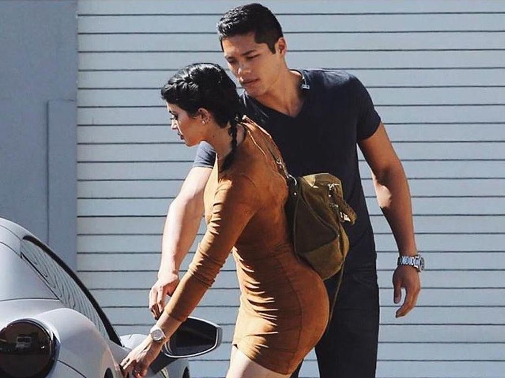 Foto: Gantengnya Bodyguard Kylie Jenner yang Ternyata Model