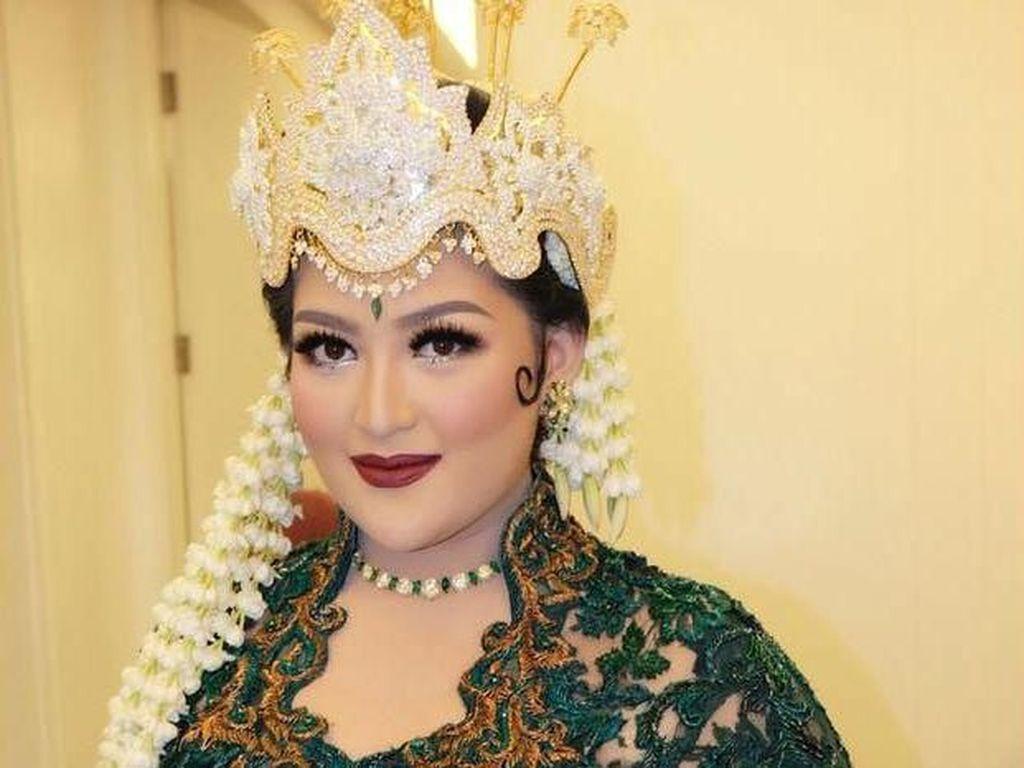 Foto: Kemewahan Pernikahan Putri Tutut Soeharto dari Siraman Hingga Resepsi