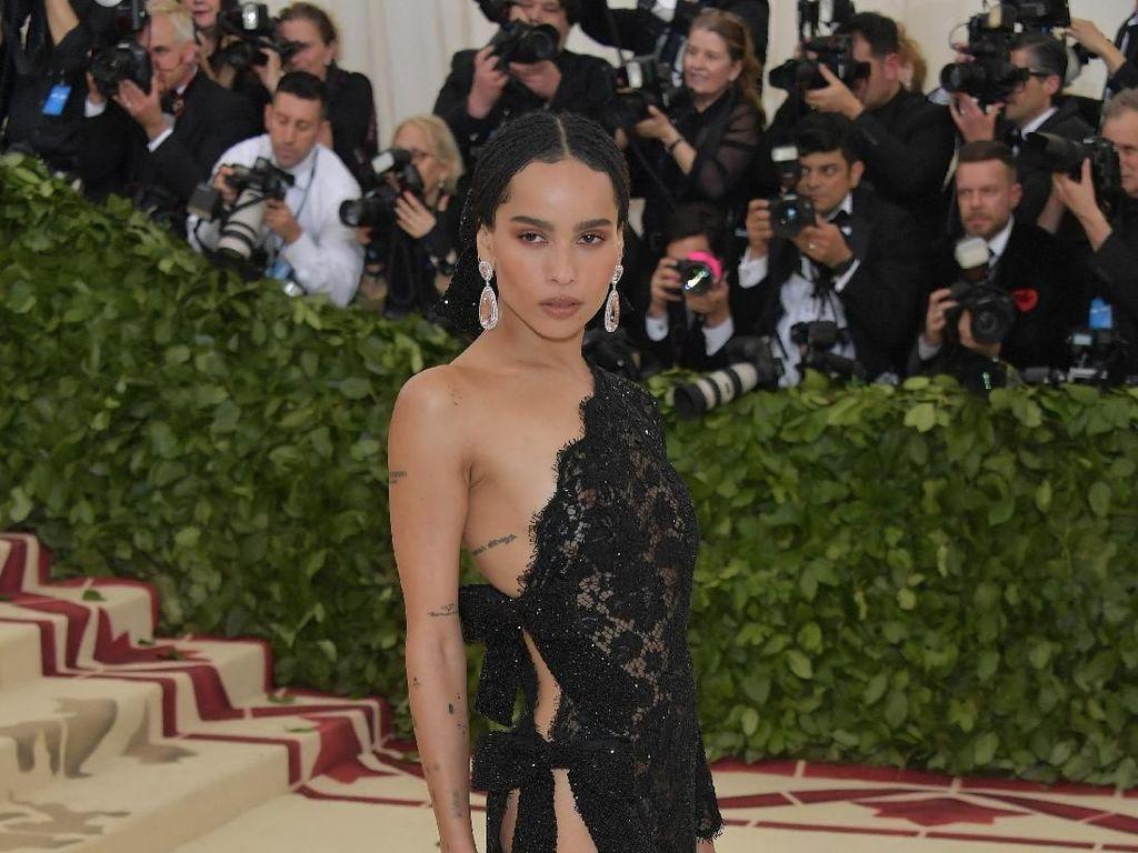 Foto: 10 Gaun Selebriti Terburuk di Met Gala 2018