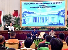Melihat Puluhan Sopir Truk Curhat ke Jokowi di Istana Negara