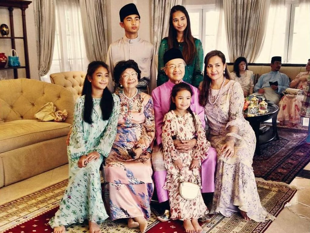 Foto: Gaya Mewah Cucu Mahathir Mohamad yang Jadi Kontroversi di Malaysia