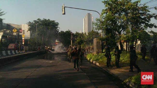 Pengosongan Rumah Dinas TNI di Tanah Kusir Ricuh