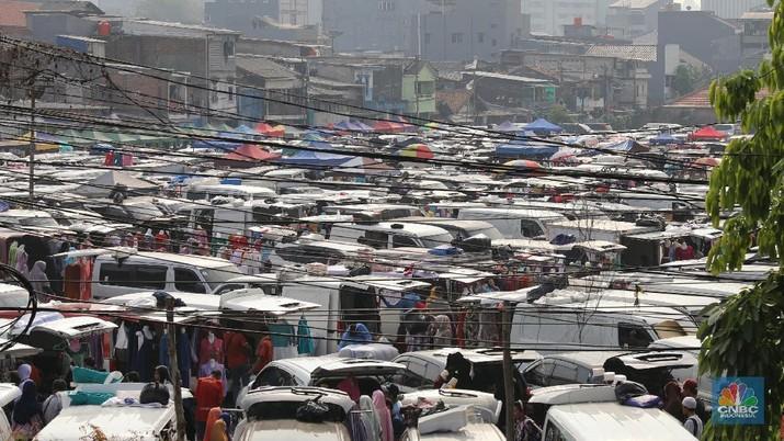 Kehadiran Pasar Tasik belakangan jadi polemik di Jakarta. Sebenarnya, apakah kehadiran mereka memberi manfaat ke ibukota?