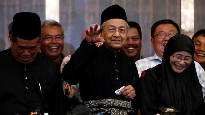 PM Malaysia: Trump tak Terpilih Lagi, Perang Dagang Selesai