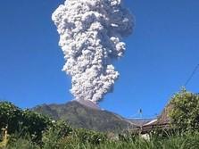 Bandara Yogyakarta Ditutup Akibat Gunung Merapi Meletus