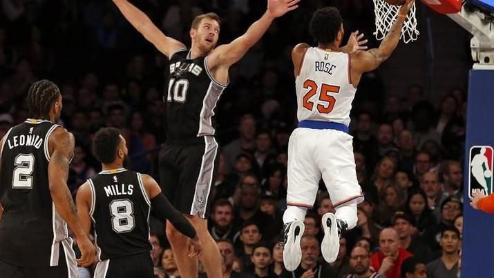 Pertandingan-pertandingan liga basket profesional NBA telah ditayangkan di 215 negara dalam 49 bahasa.