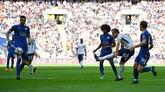 Bomber Tottenham Hotspur Harry Kane gagal menjadi top skor Liga Inggris 2018 meski mencetak dua gol ke gawang Leicester. Kane tertinggal dua gol di puncak daftar top skor. (REUTERS/Dylan Martinez)